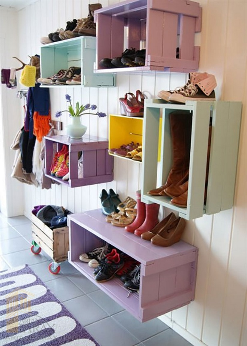 colorful-wall-hanging-wine-crates-shoe-storagearianparax