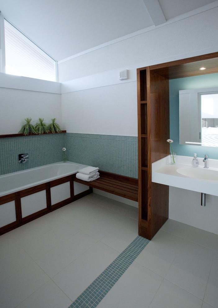 عكس حمام